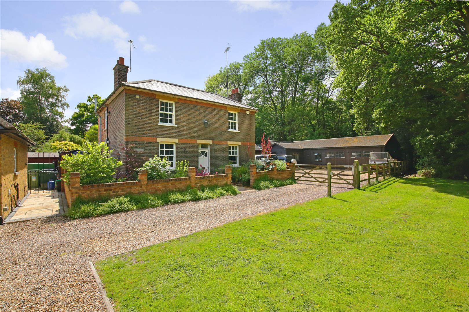 3 bed for sale in Station Road, Bricket Wood - (Property Image 16)