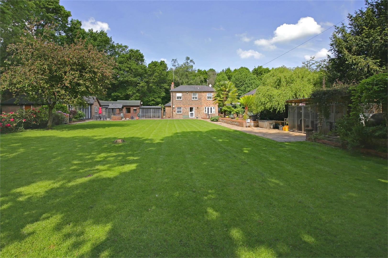 3 bed for sale in Station Road, Bricket Wood - Property Image 1