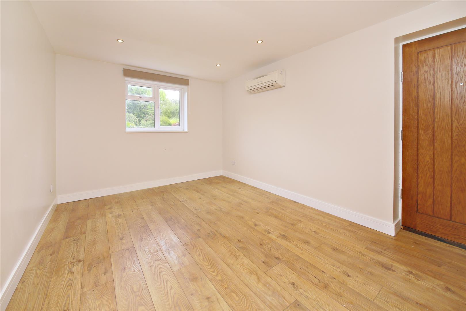 3 bed for sale in Station Road, Bricket Wood - (Property Image 10)