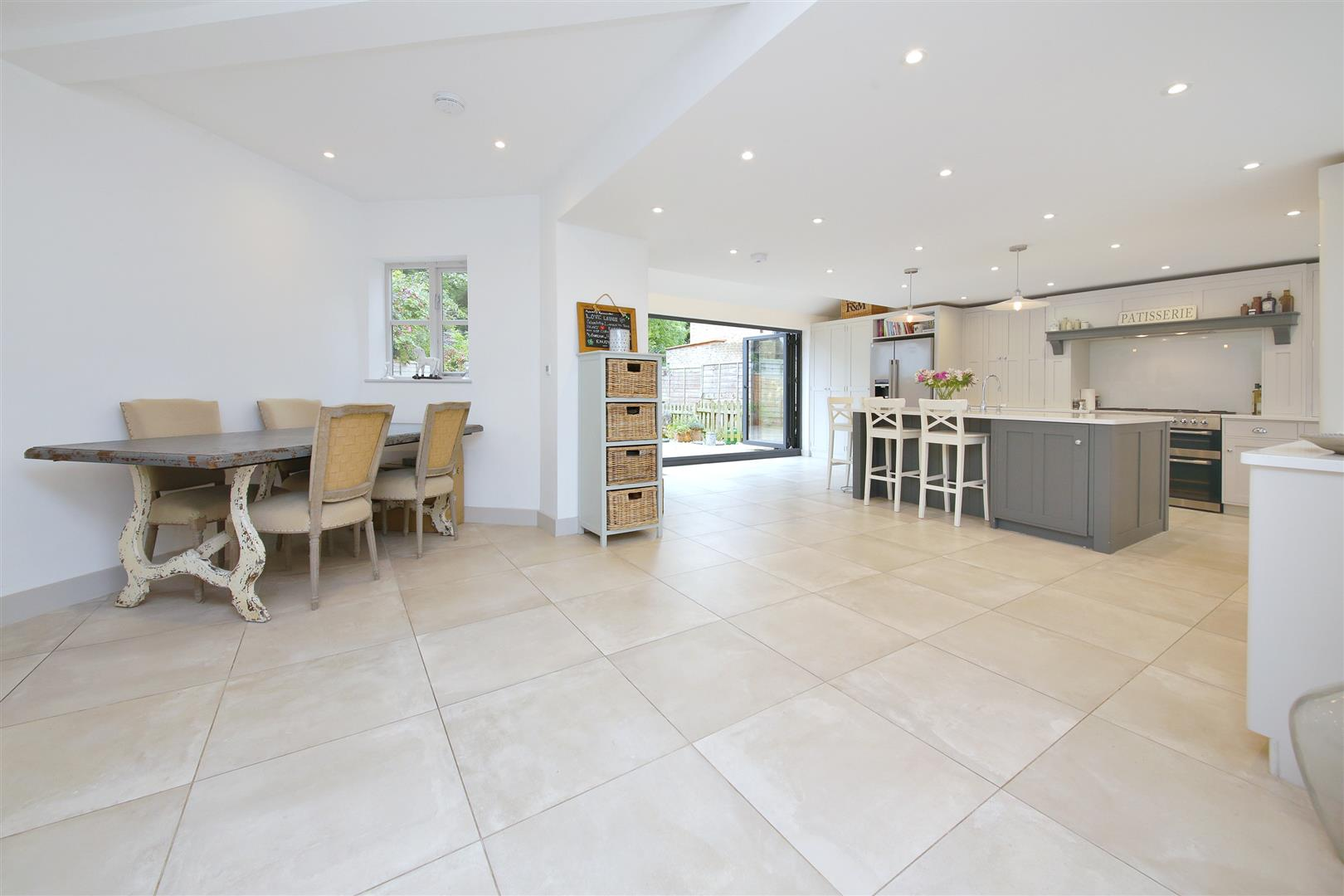 5 bed to rent in Letchmore Heath - (Property Image 2)