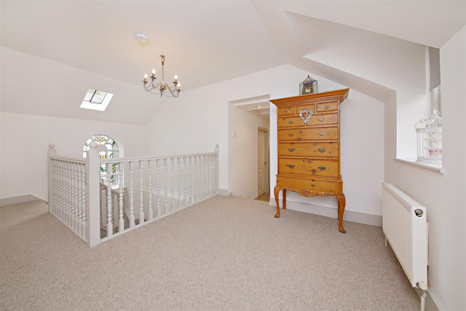 5 bed to rent in Letchmore Heath - (Property Image 8)