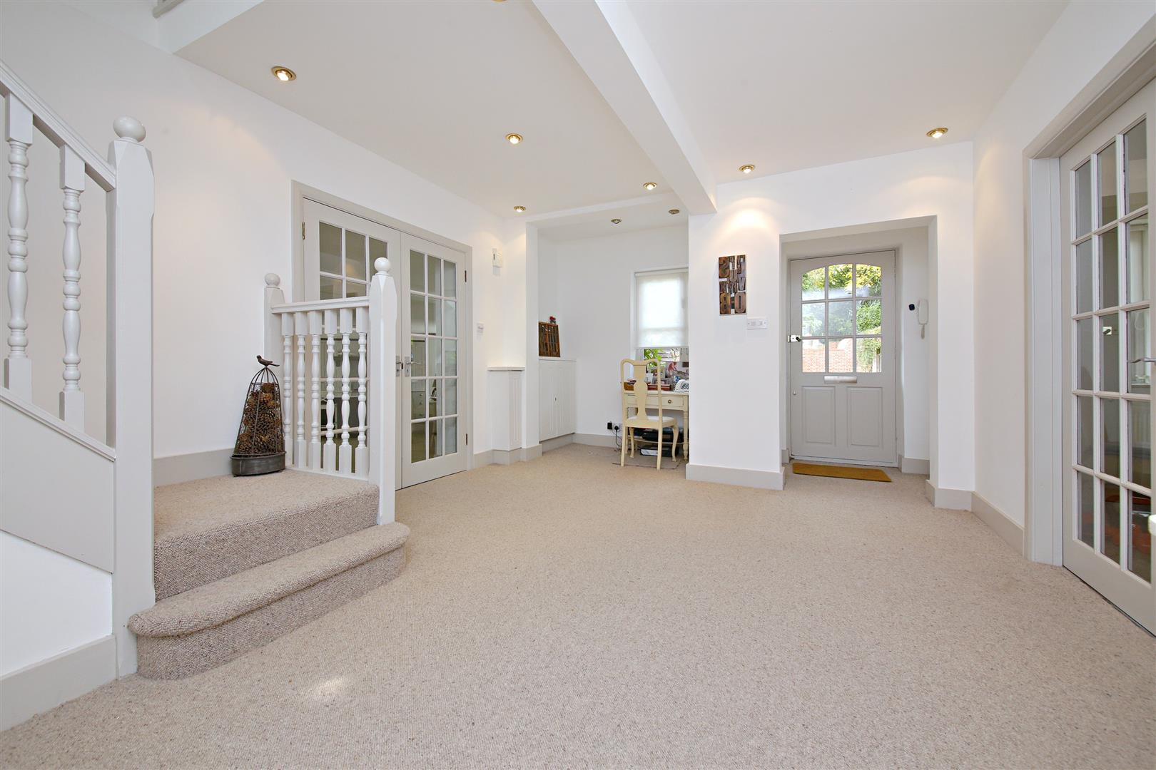 5 bed to rent in Letchmore Heath - (Property Image 4)