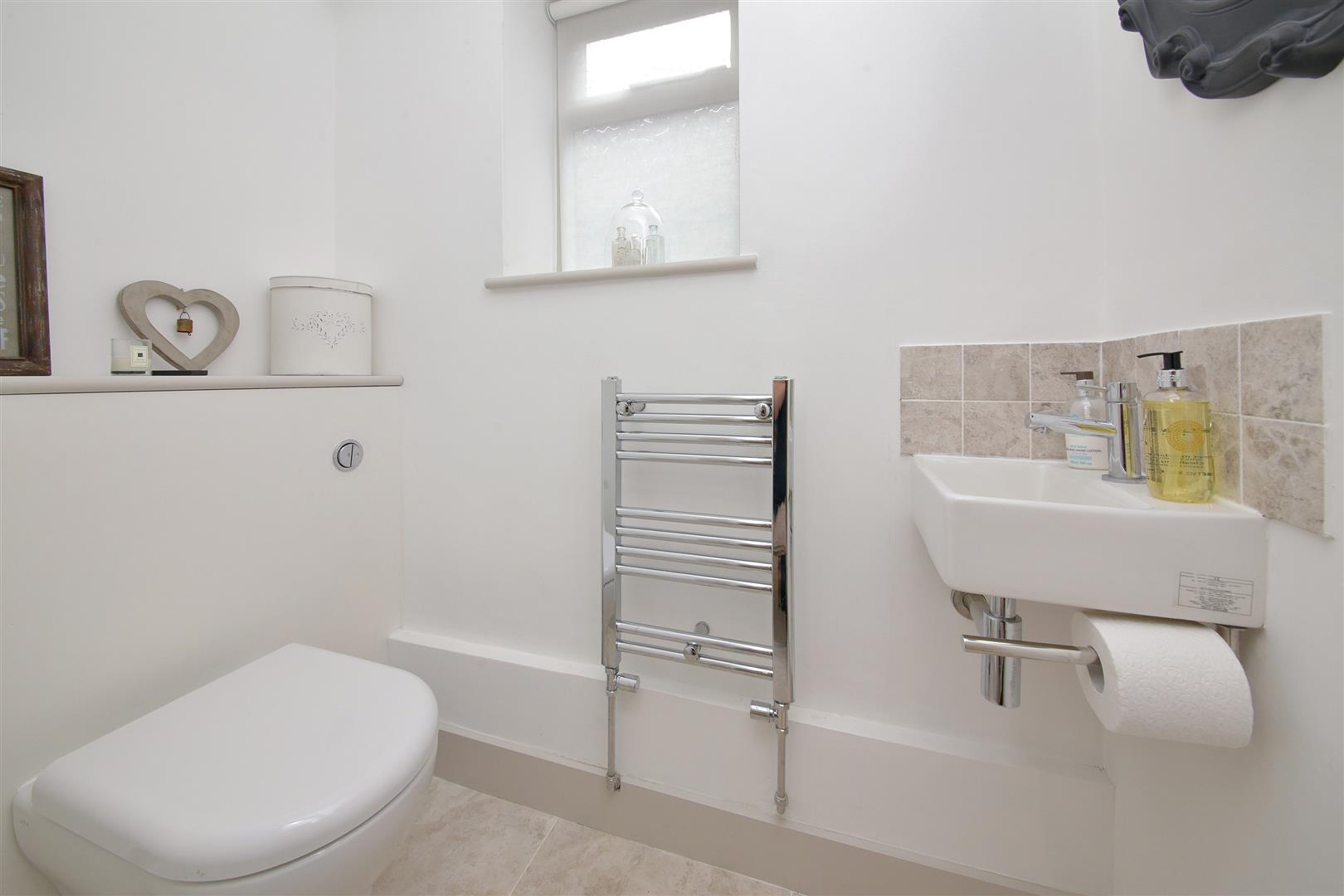5 bed to rent in Letchmore Heath - (Property Image 7)