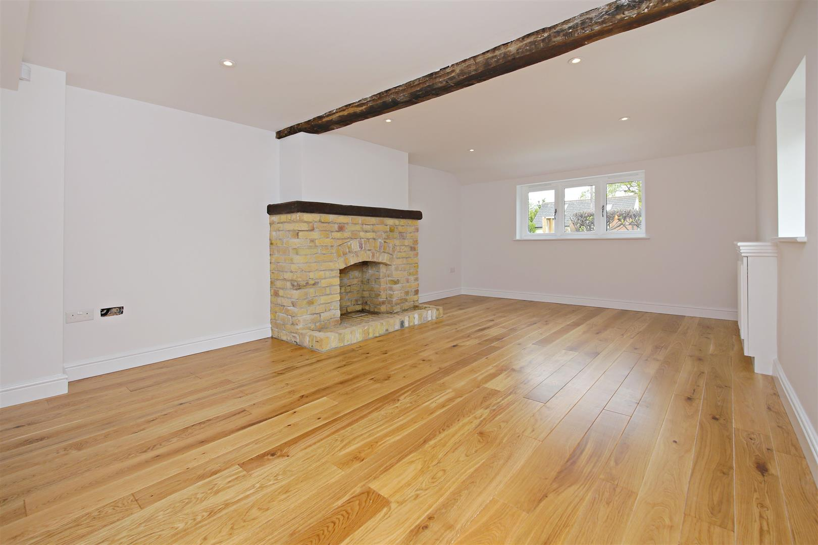 4 bed for sale in London Road, Shenley - (Property Image 1)