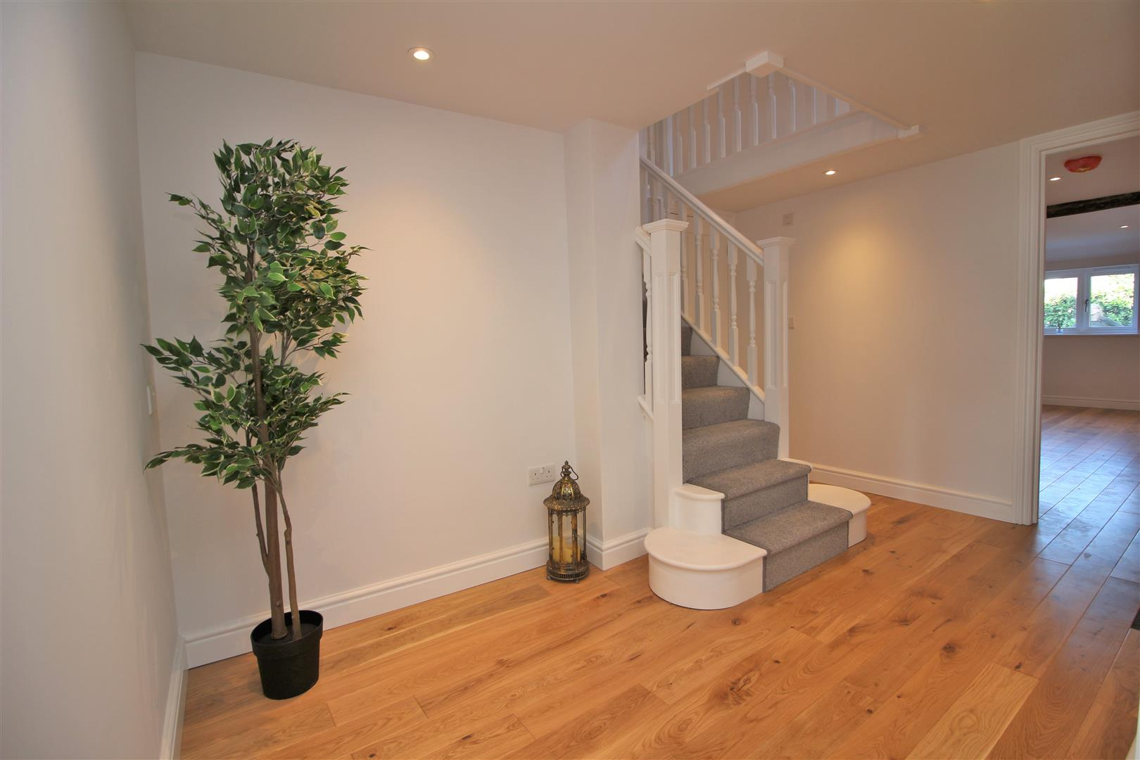 4 bed for sale in London Road, Shenley - (Property Image 2)