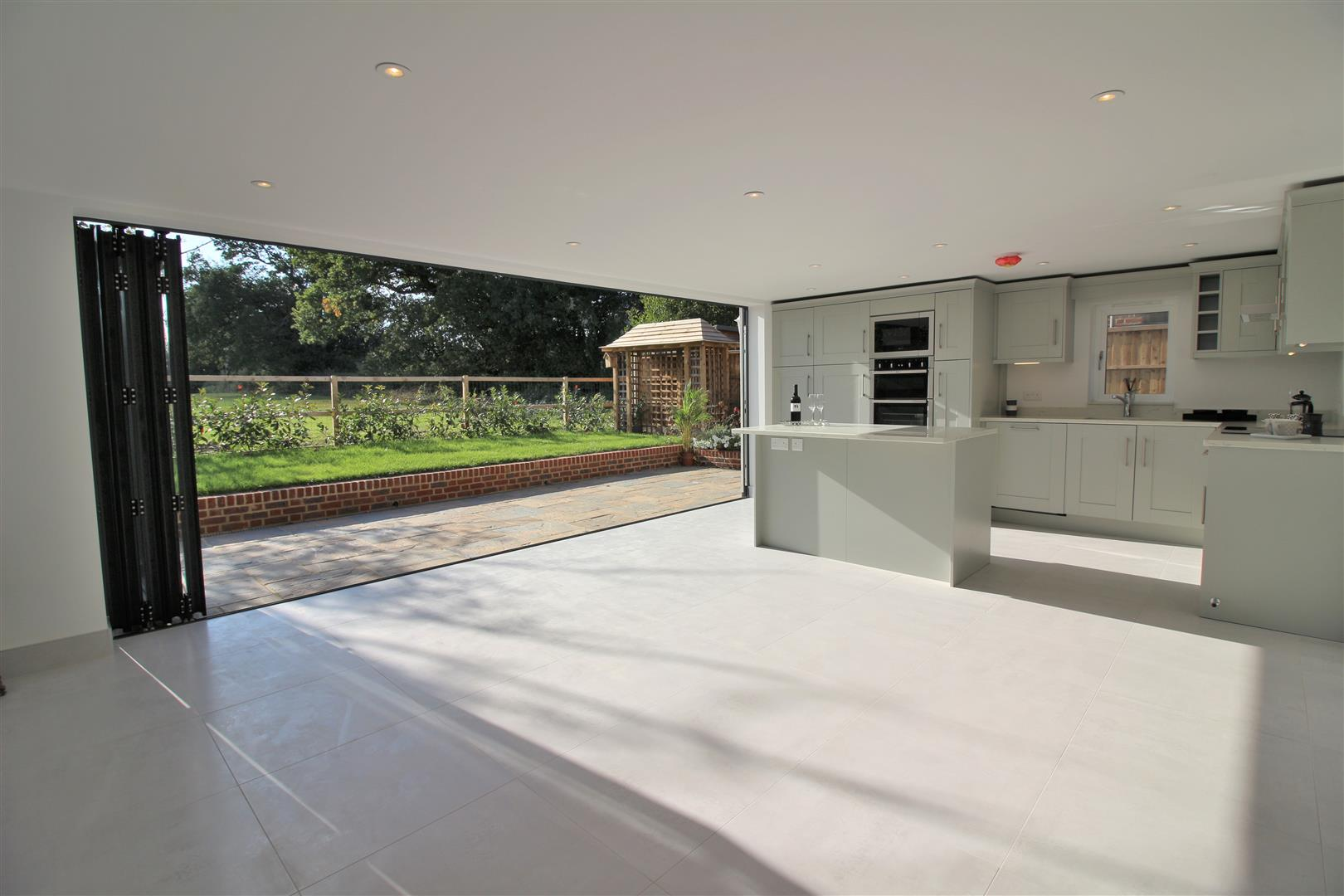4 bed for sale in London Road, Shenley - (Property Image 5)