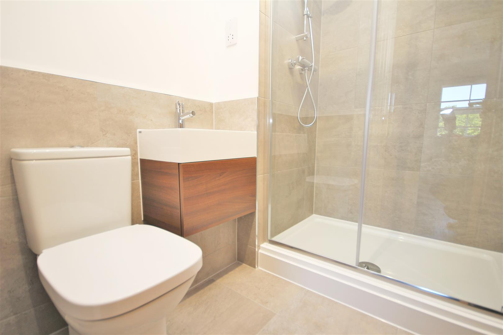 2 bed Flat to rent - (Property Image 5)