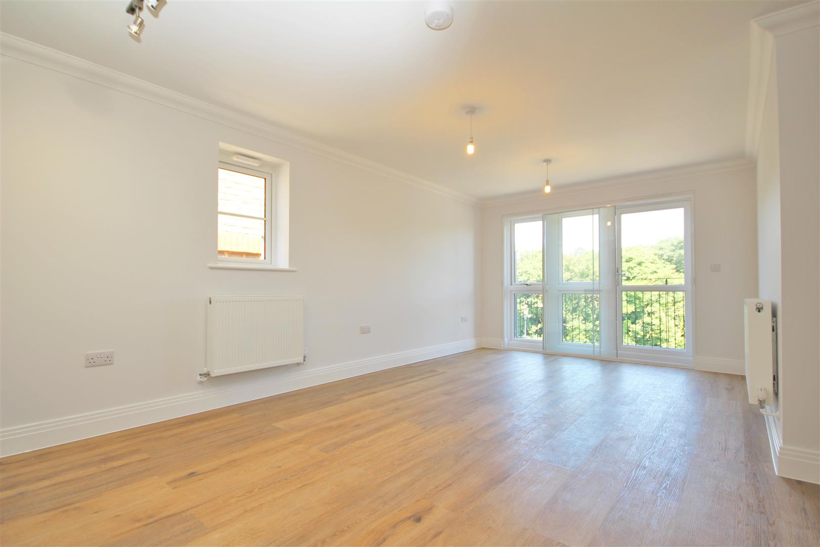 2 bed Flat to rent - (Property Image 3)