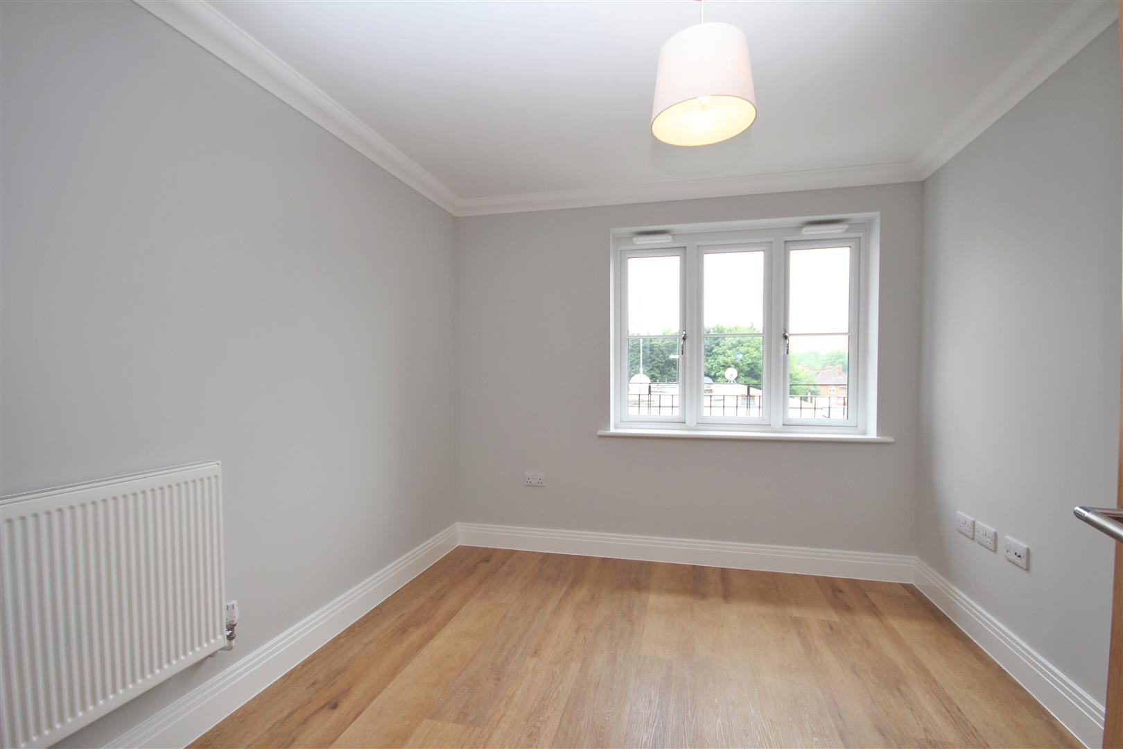 2 bed Flat to rent - (Property Image 10)