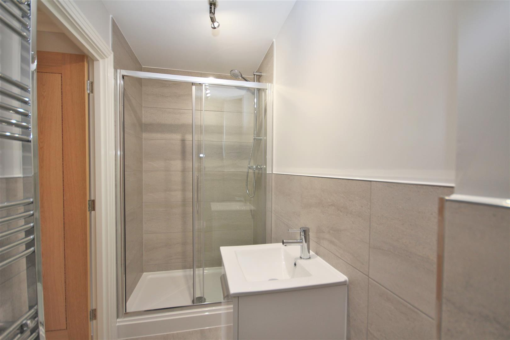2 bed Flat to rent - (Property Image 9)