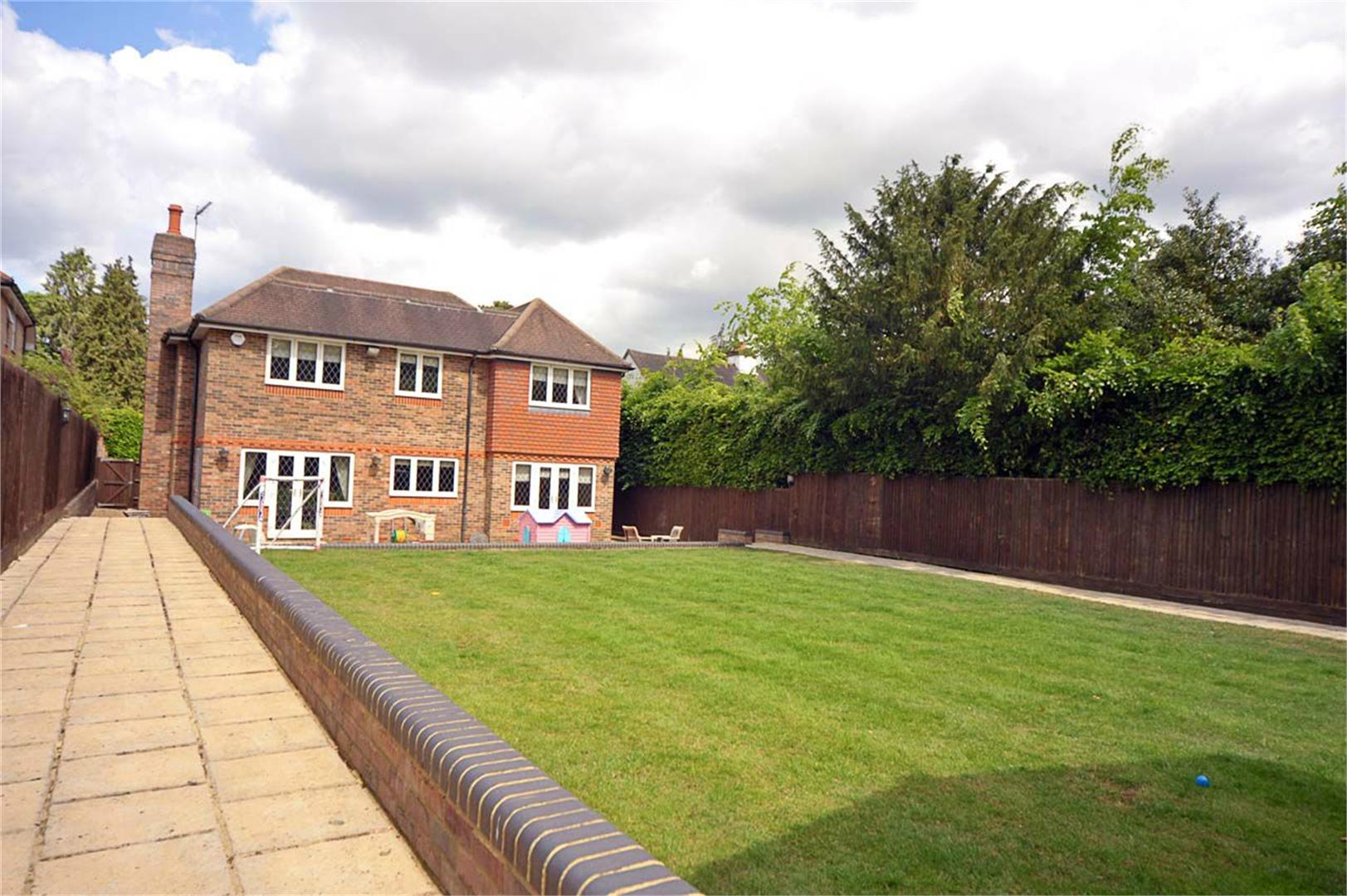 5 bed to rent - (Property Image 8)