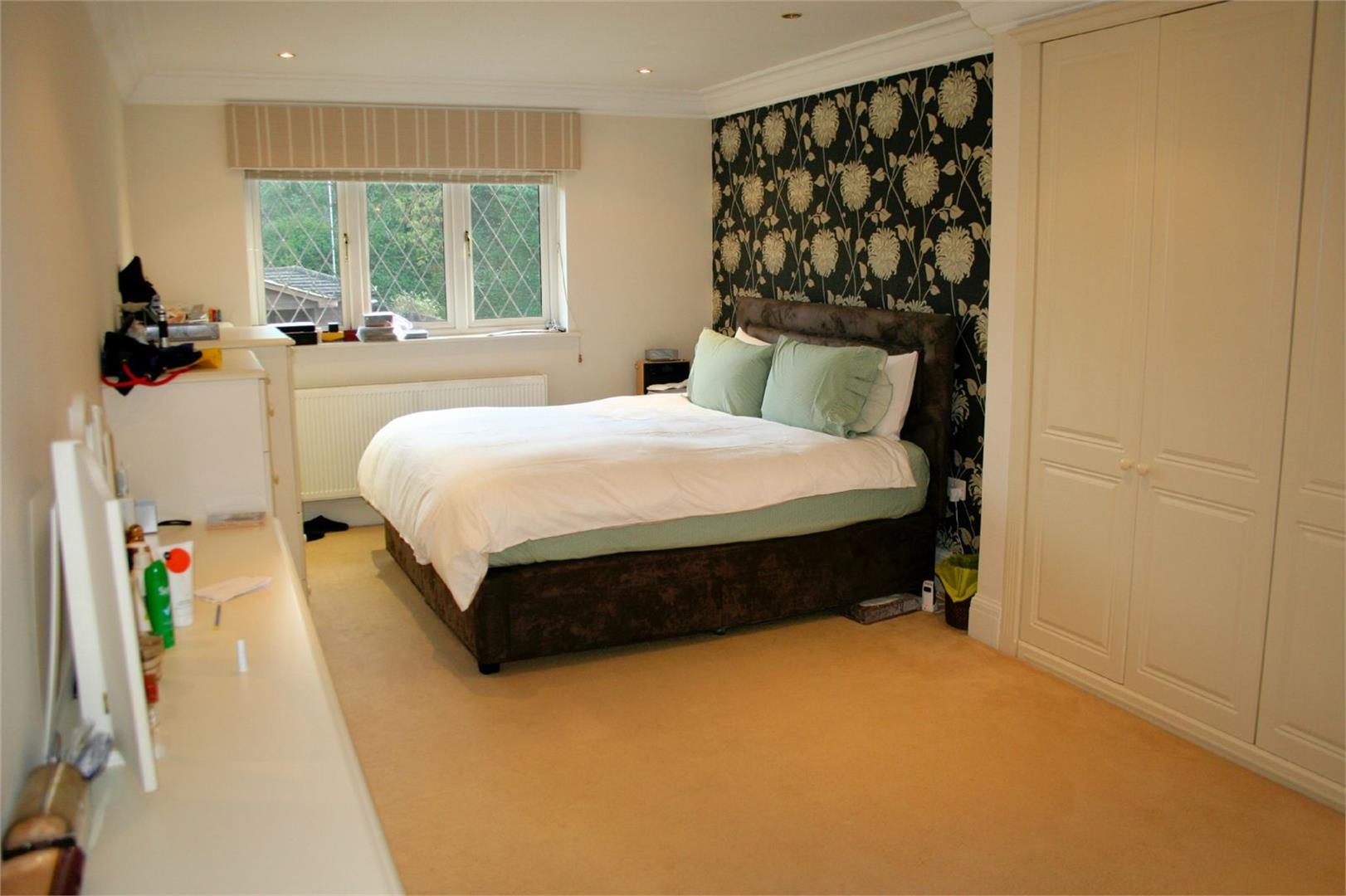 5 bed to rent - (Property Image 7)