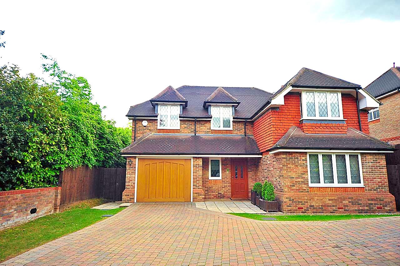 5 bed to rent - Property Image 1
