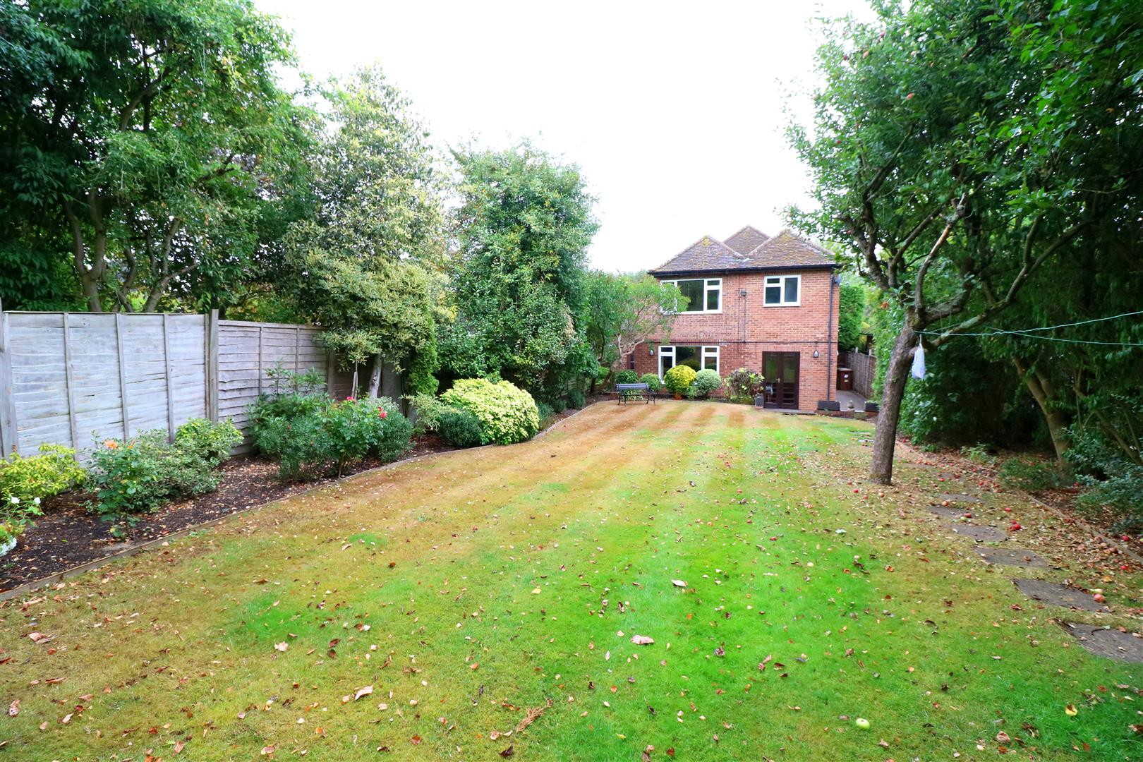 4 bed House for sale in Links Drive, Radlett - (Property Image 13)