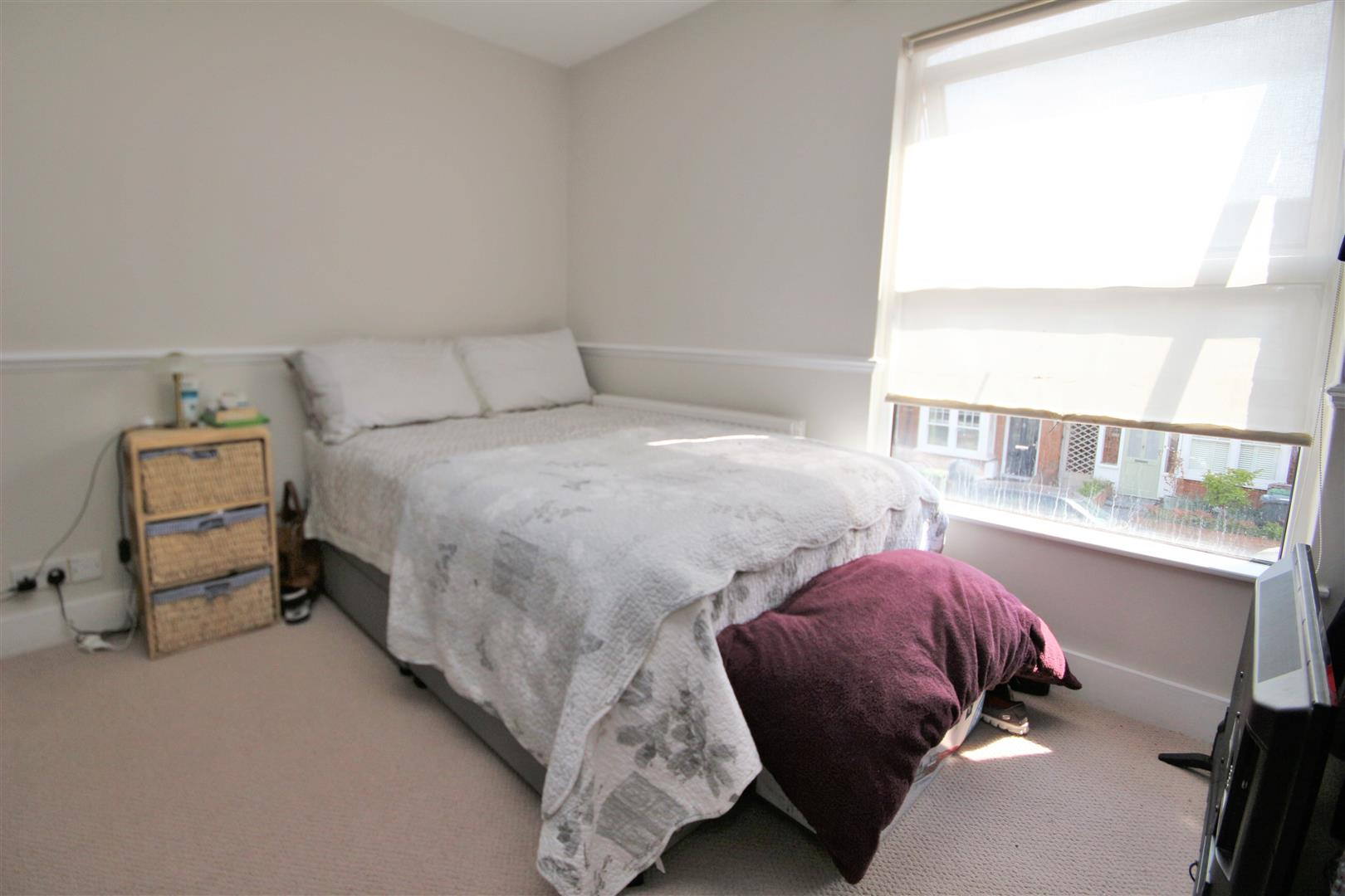 2 bed to rent - (Property Image 5)