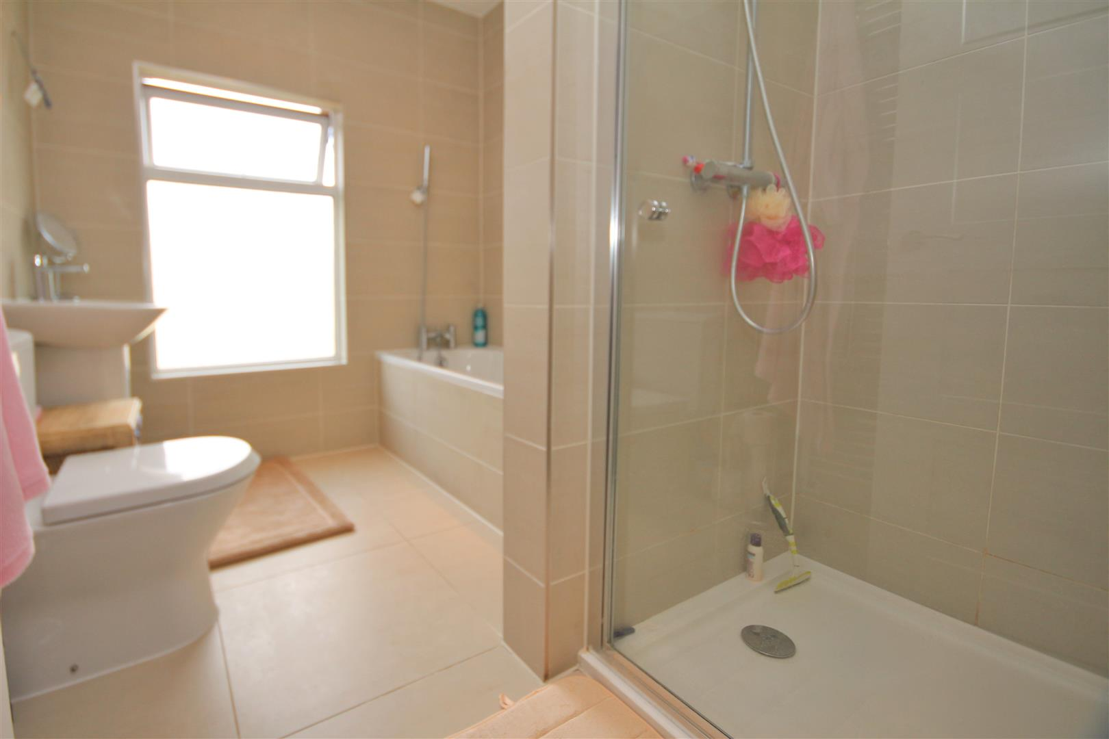 2 bed to rent - (Property Image 4)