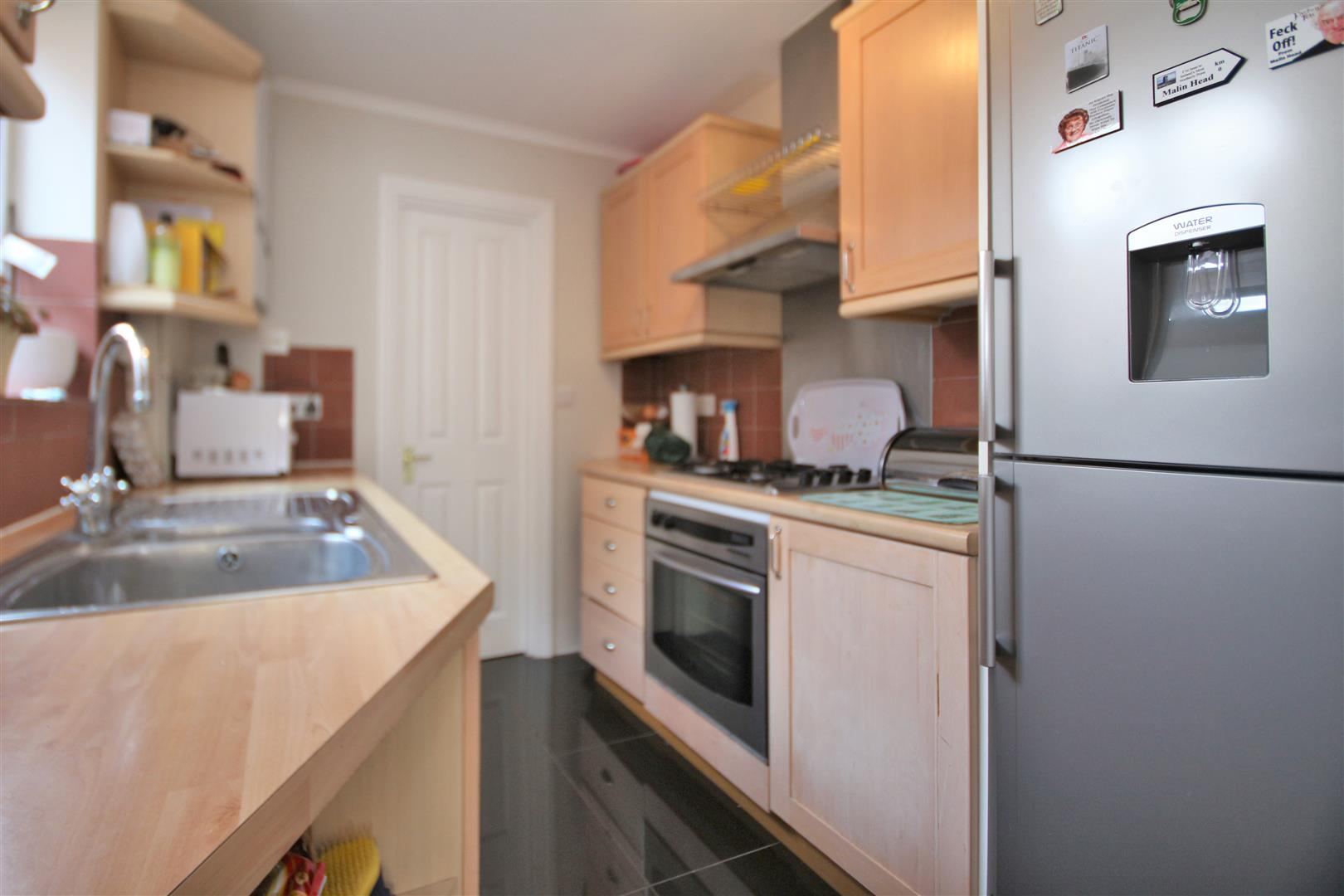 2 bed to rent - (Property Image 2)