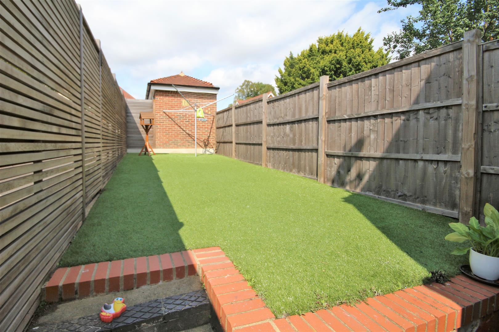 2 bed to rent - (Property Image 6)