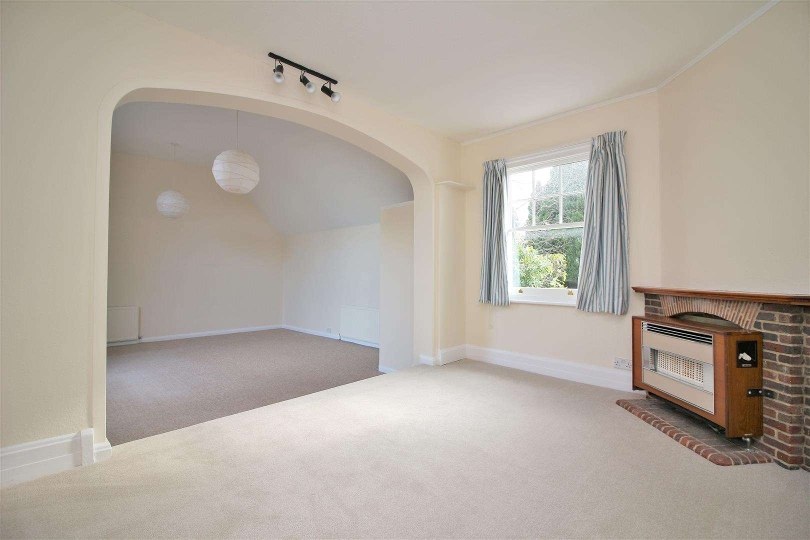 5 bed to rent - (Property Image 10)