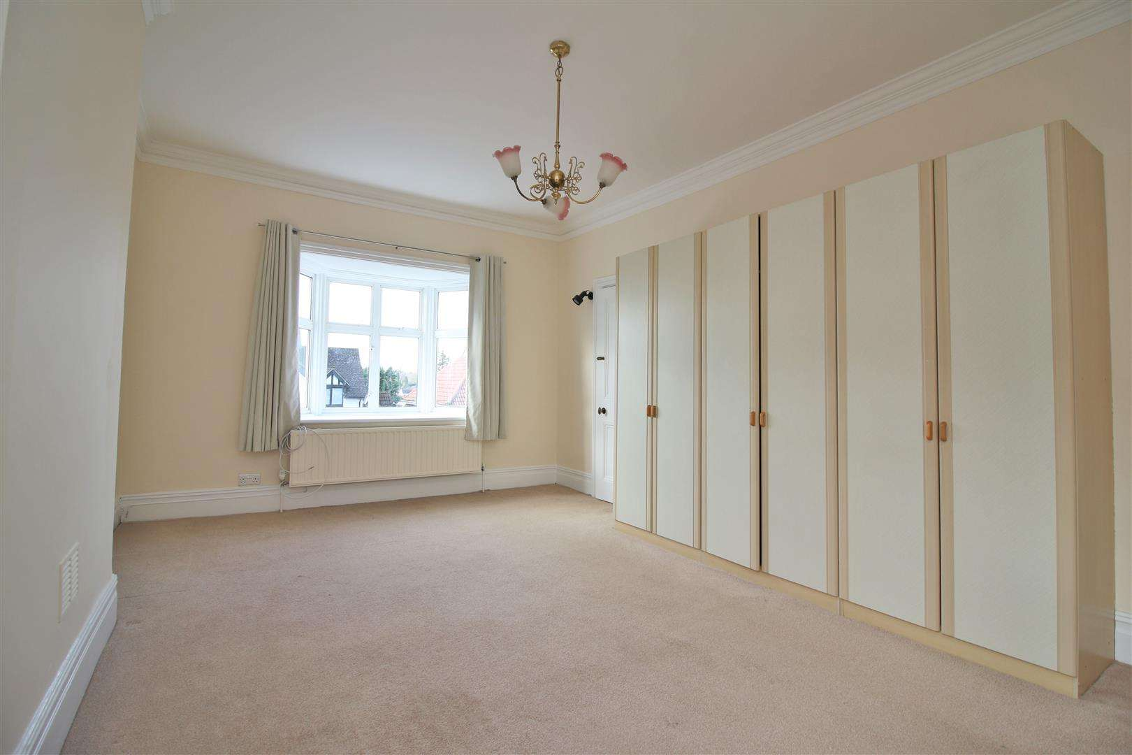 5 bed to rent - (Property Image 11)