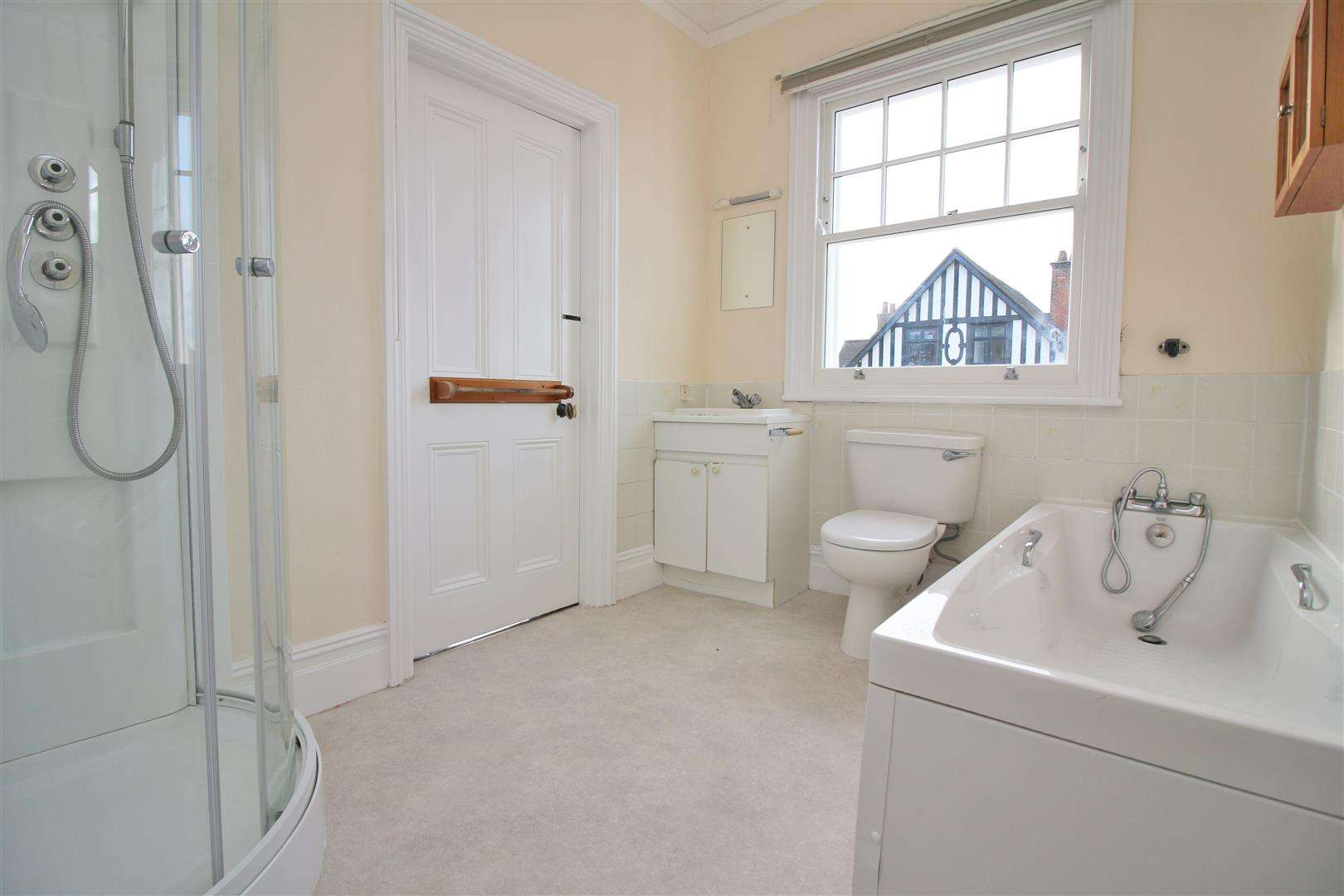 5 bed to rent - (Property Image 12)