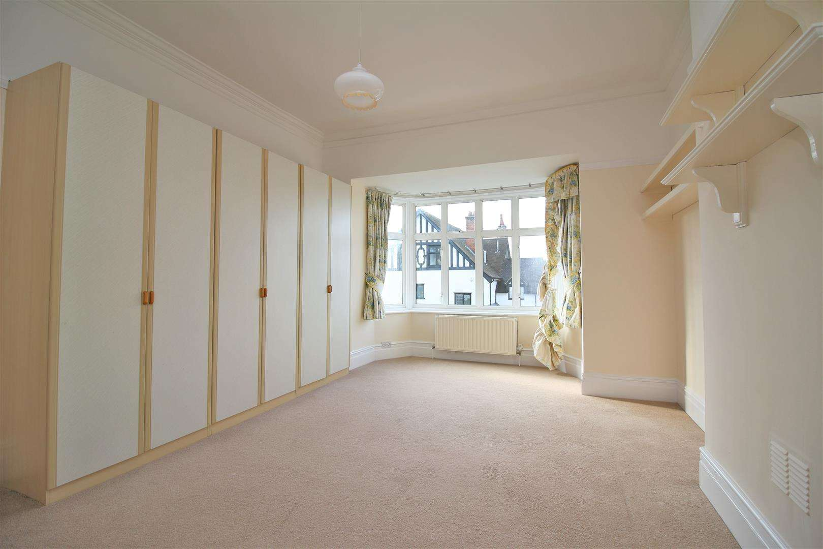 5 bed to rent - (Property Image 13)