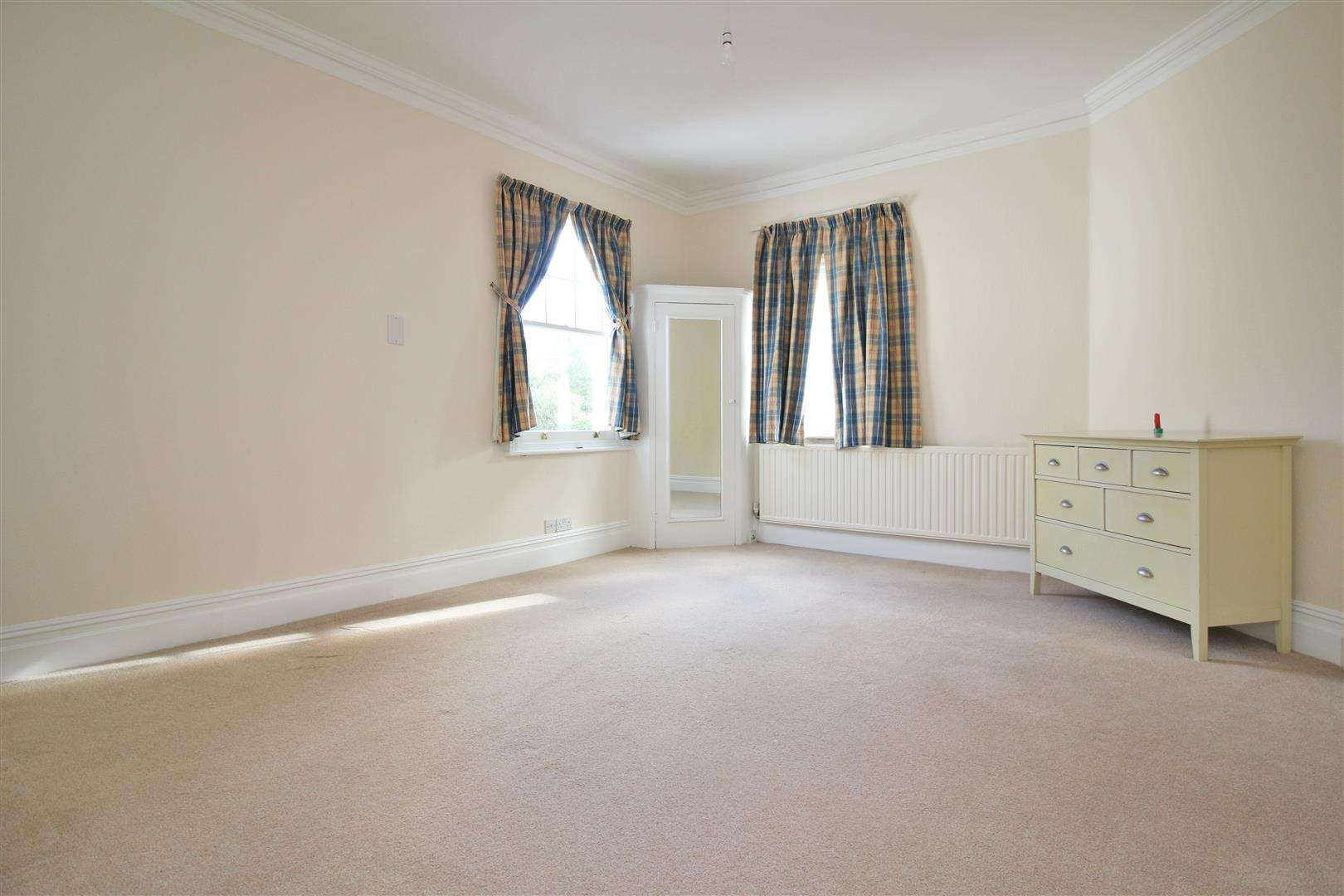 5 bed to rent - (Property Image 14)