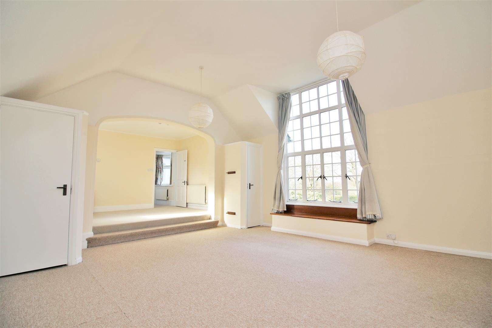 5 bed to rent - (Property Image 9)
