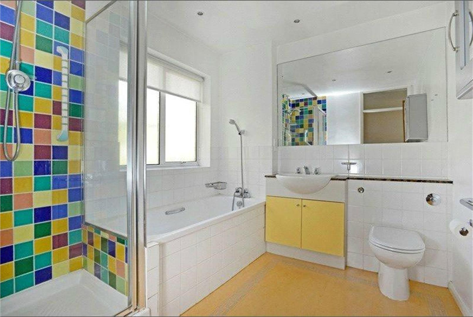 4 bed to rent - (Property Image 5)