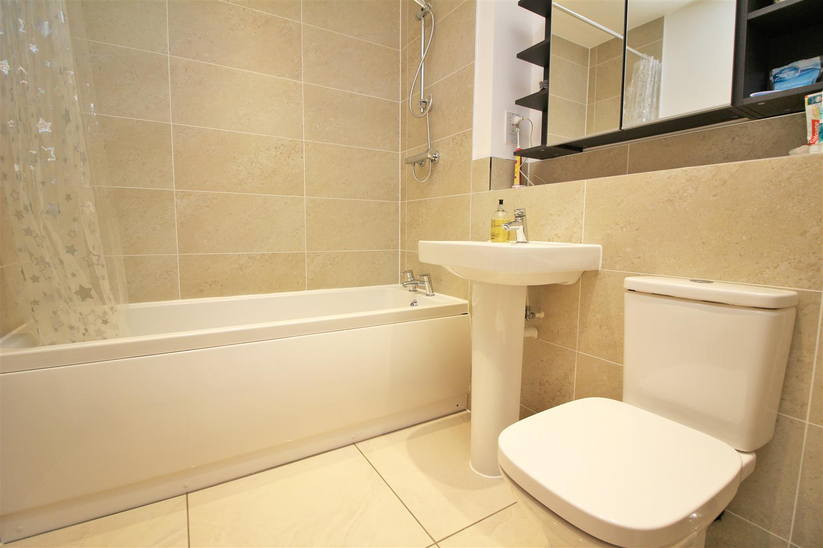 4 bed to rent in Leavesden - (Property Image 19)