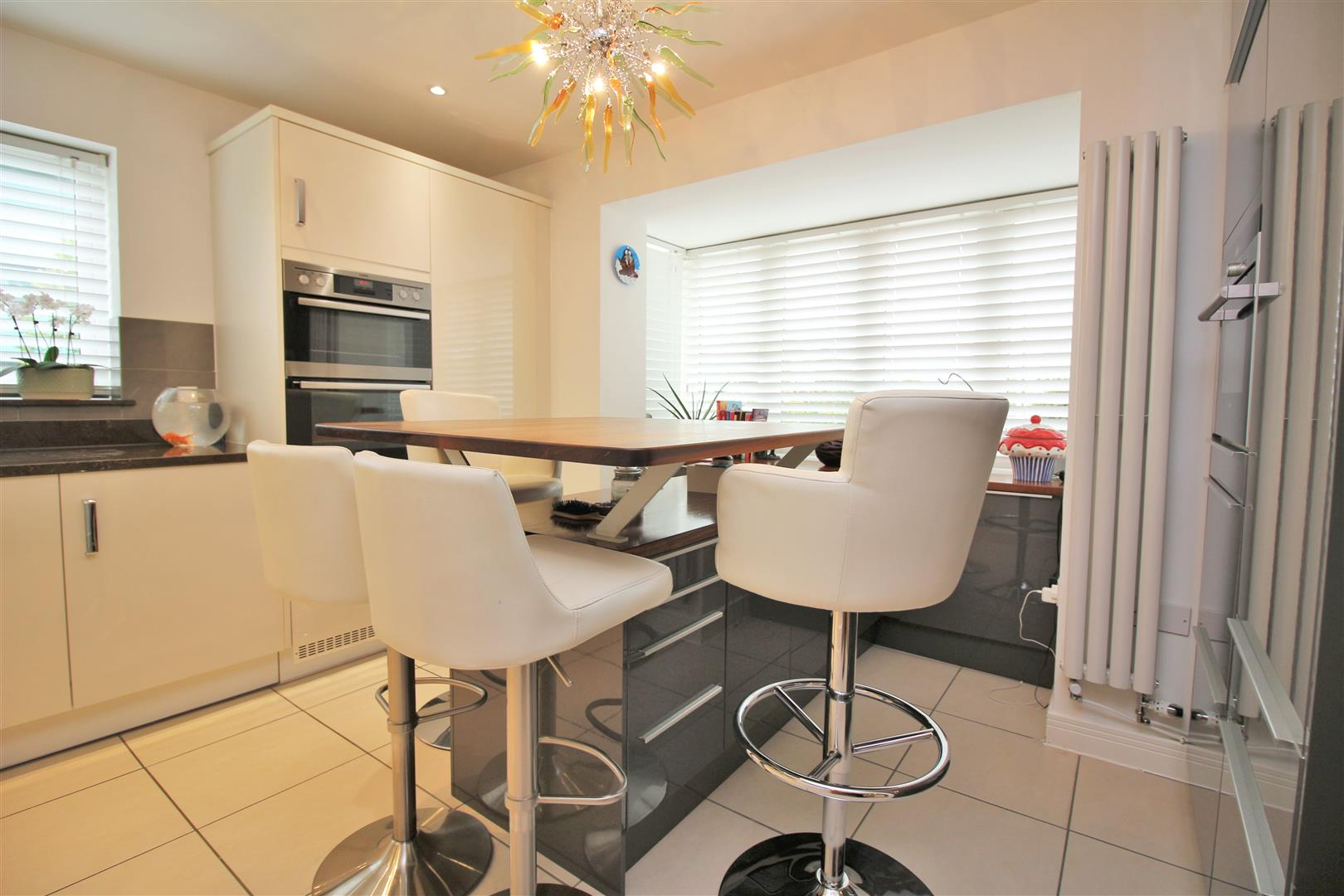 4 bed to rent in Leavesden - (Property Image 6)
