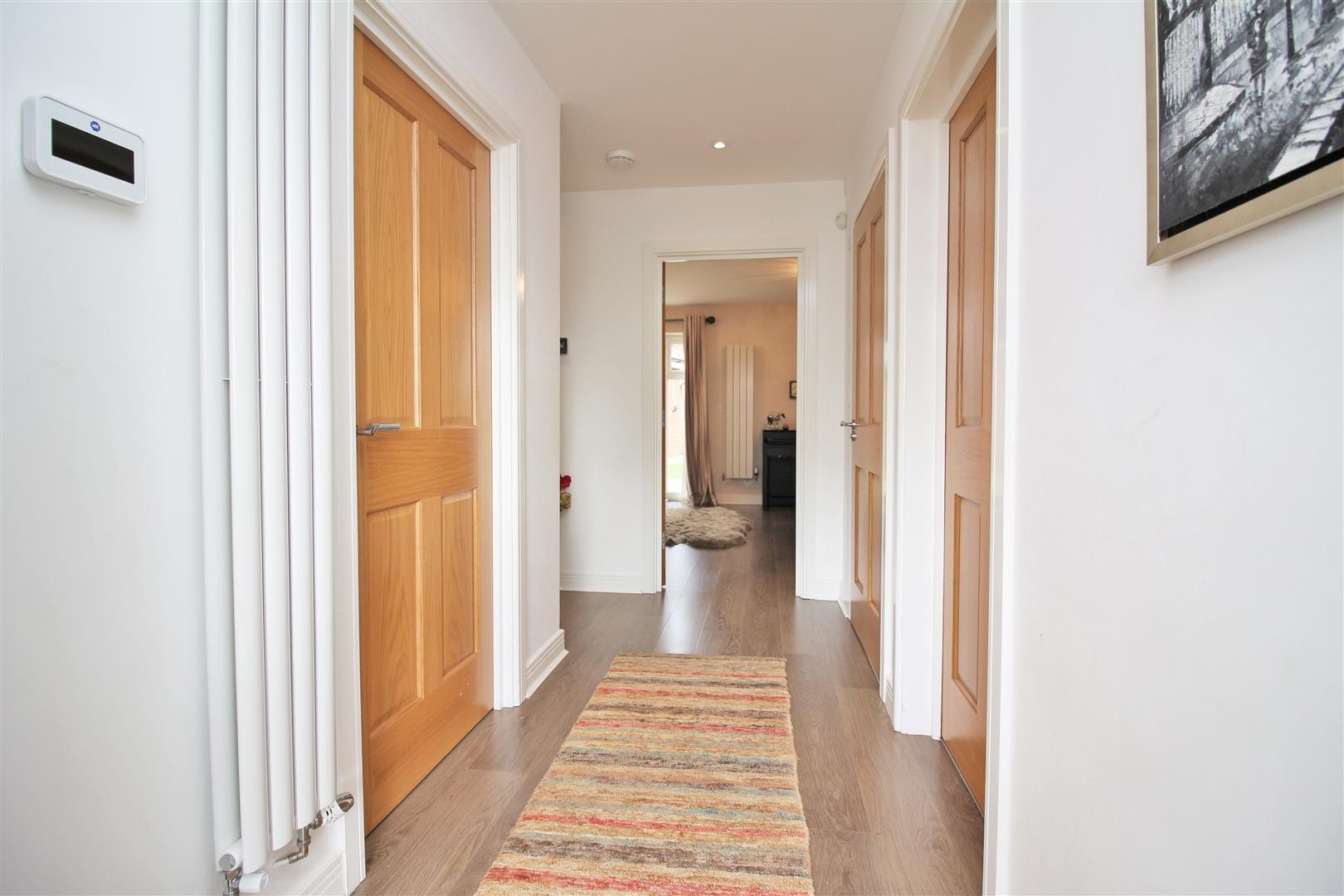 4 bed to rent in Leavesden - (Property Image 10)