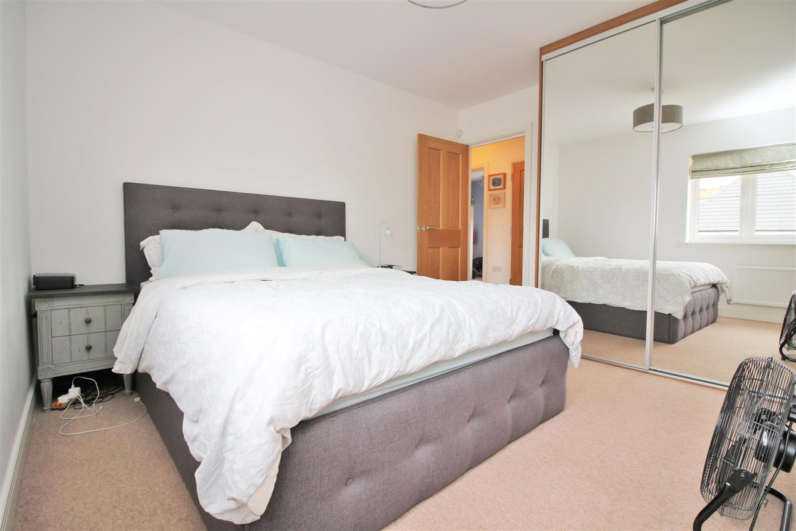 4 bed to rent in Leavesden - (Property Image 13)