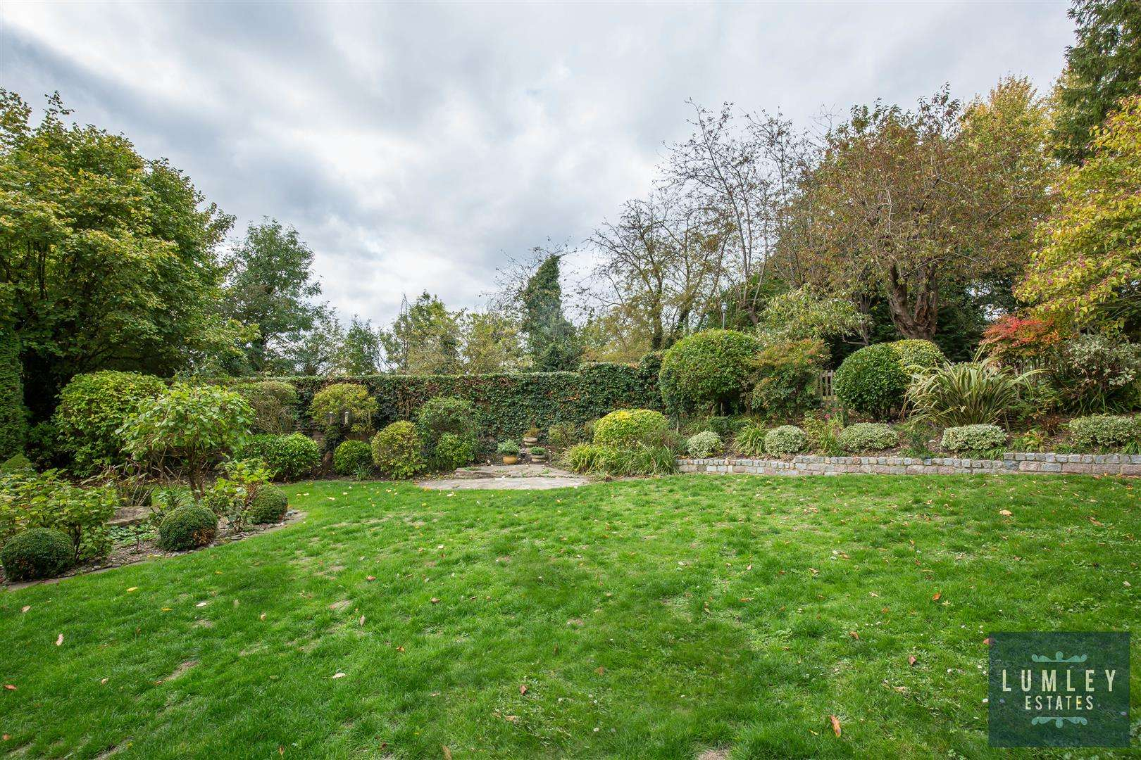4 bed for sale in Park Street - (Property Image 10)