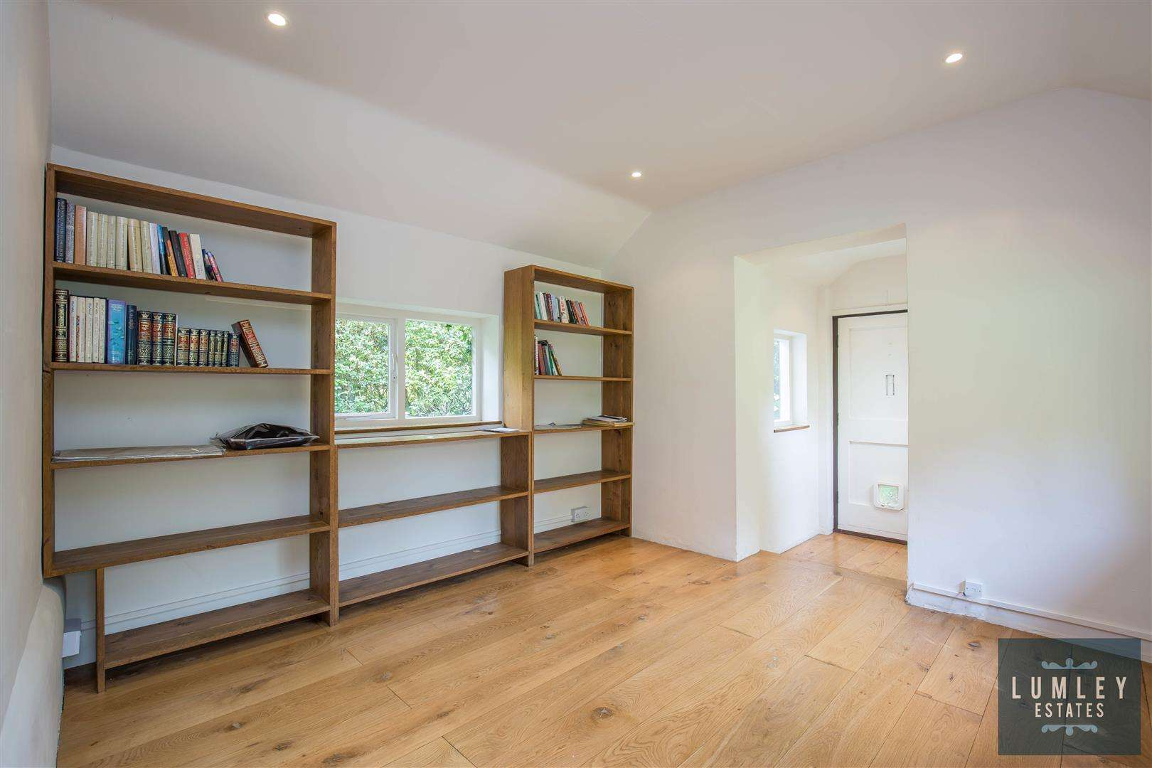 4 bed for sale in Park Street - (Property Image 5)