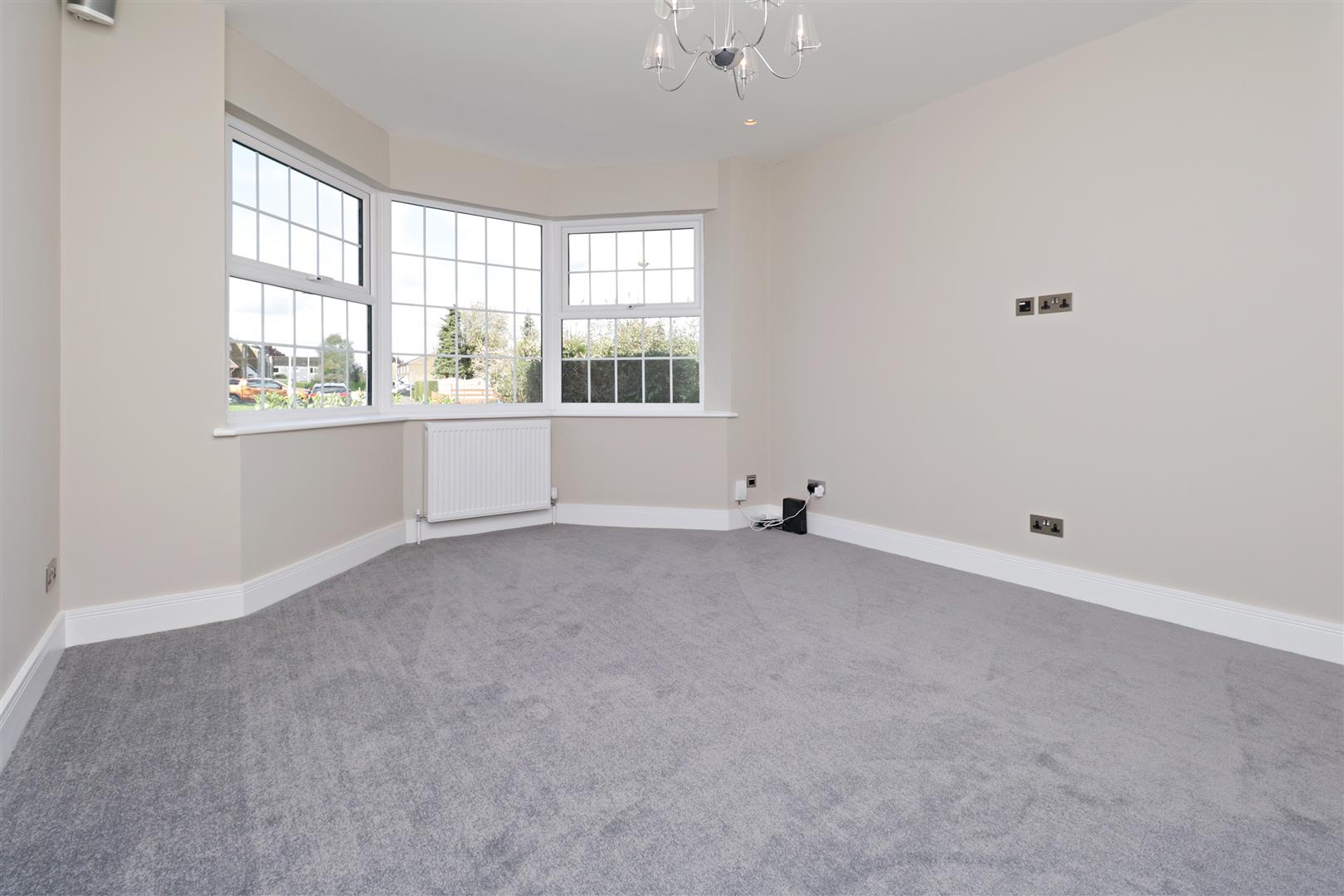 4 bed to rent in Loom Lane, Radlett - (Property Image 5)