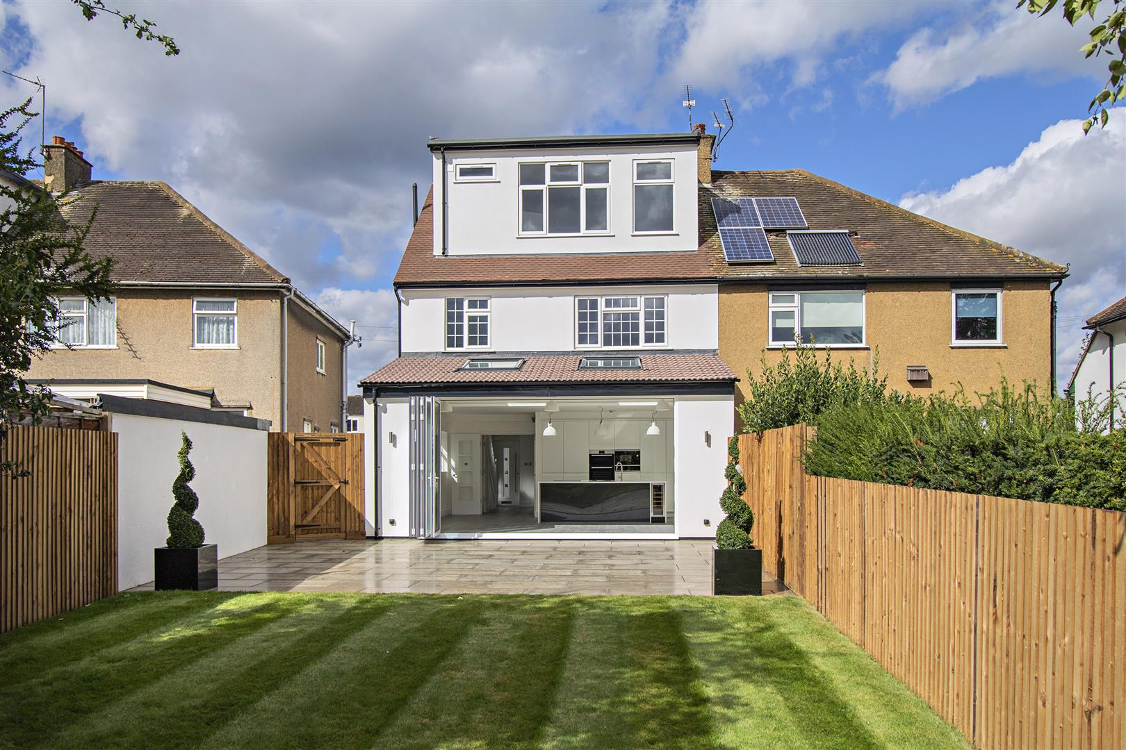 4 bed to rent in Loom Lane, Radlett - (Property Image 13)