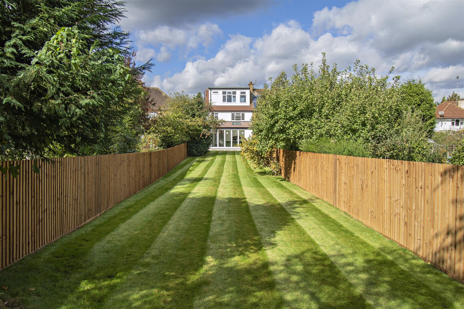 4 bed to rent in Loom Lane, Radlett - (Property Image 14)