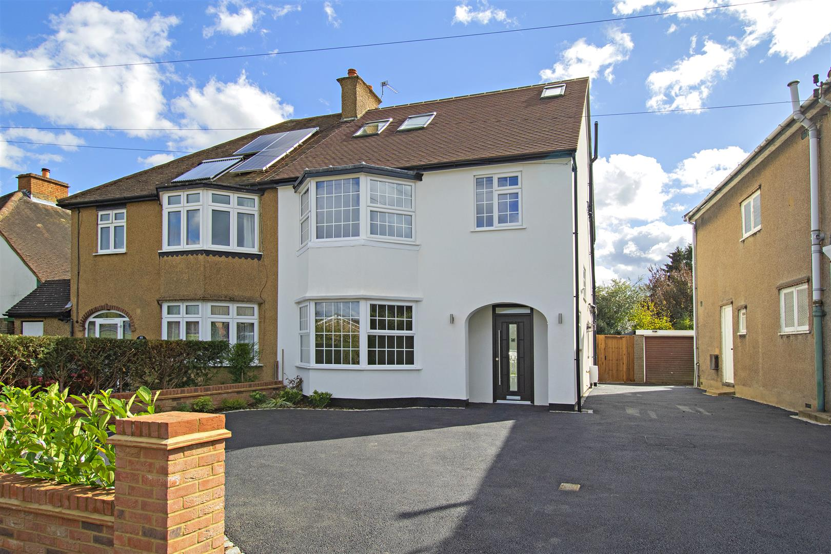 4 bed to rent in Loom Lane, Radlett - Property Image 1
