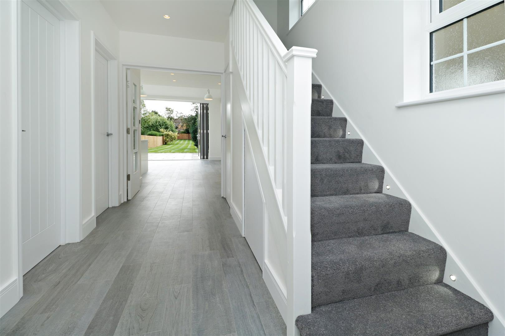 4 bed to rent in Loom Lane, Radlett - (Property Image 1)