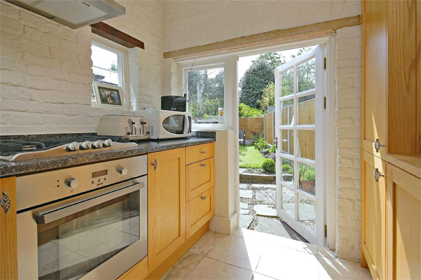 2 bed to rent in Letchmore Heath - (Property Image 3)