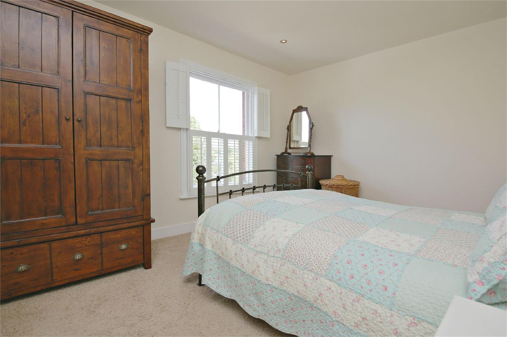 2 bed to rent in Letchmore Heath - (Property Image 5)