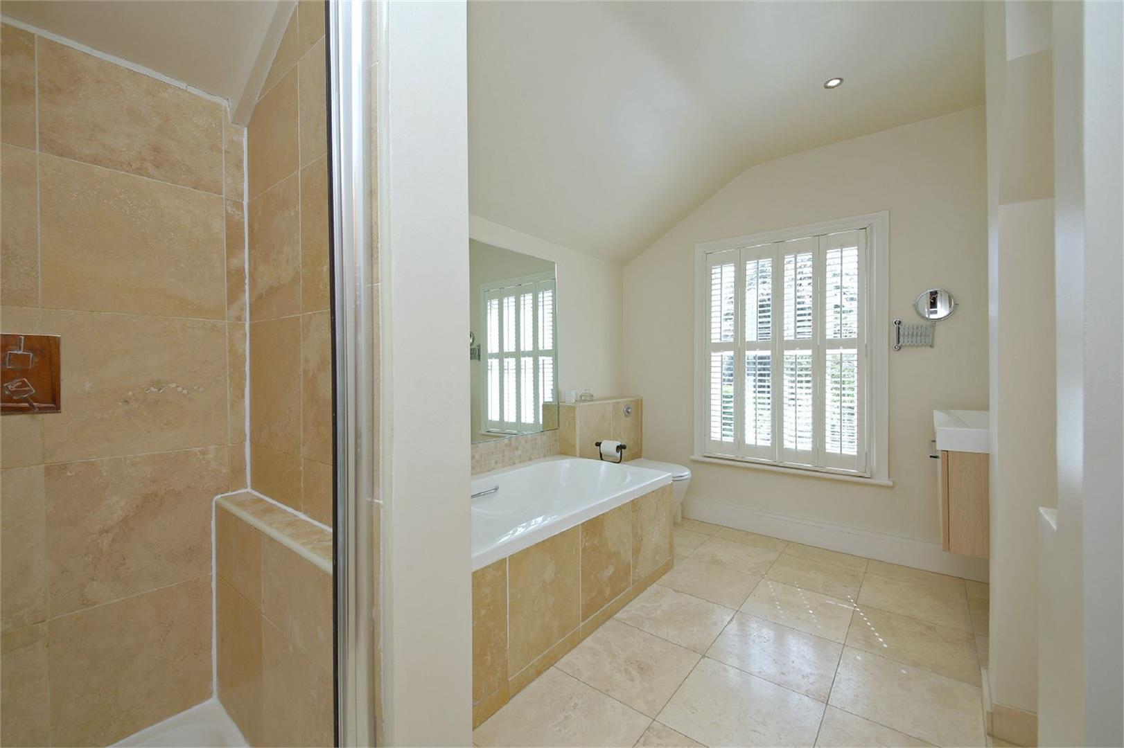 2 bed to rent in Letchmore Heath - (Property Image 7)