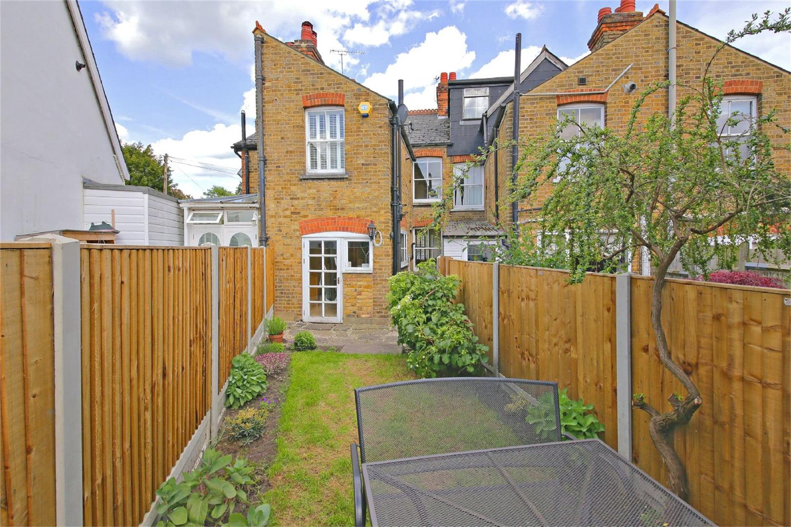 2 bed to rent in Letchmore Heath - (Property Image 8)