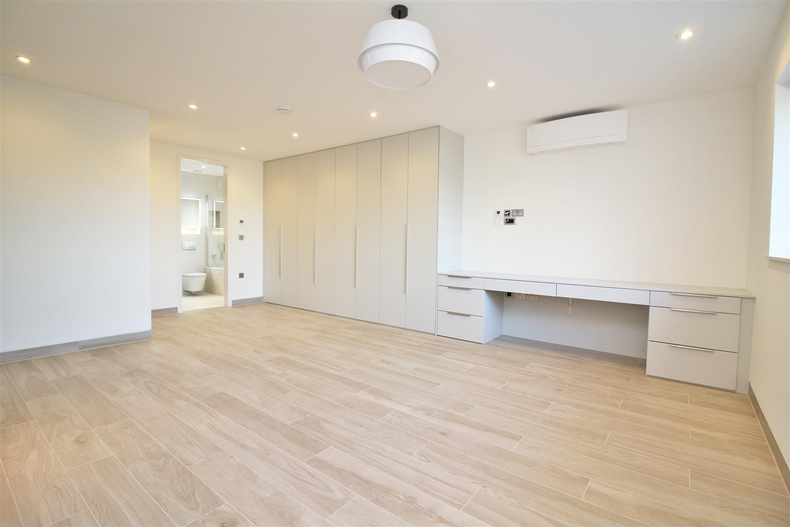 7 bed to rent - (Property Image 13)