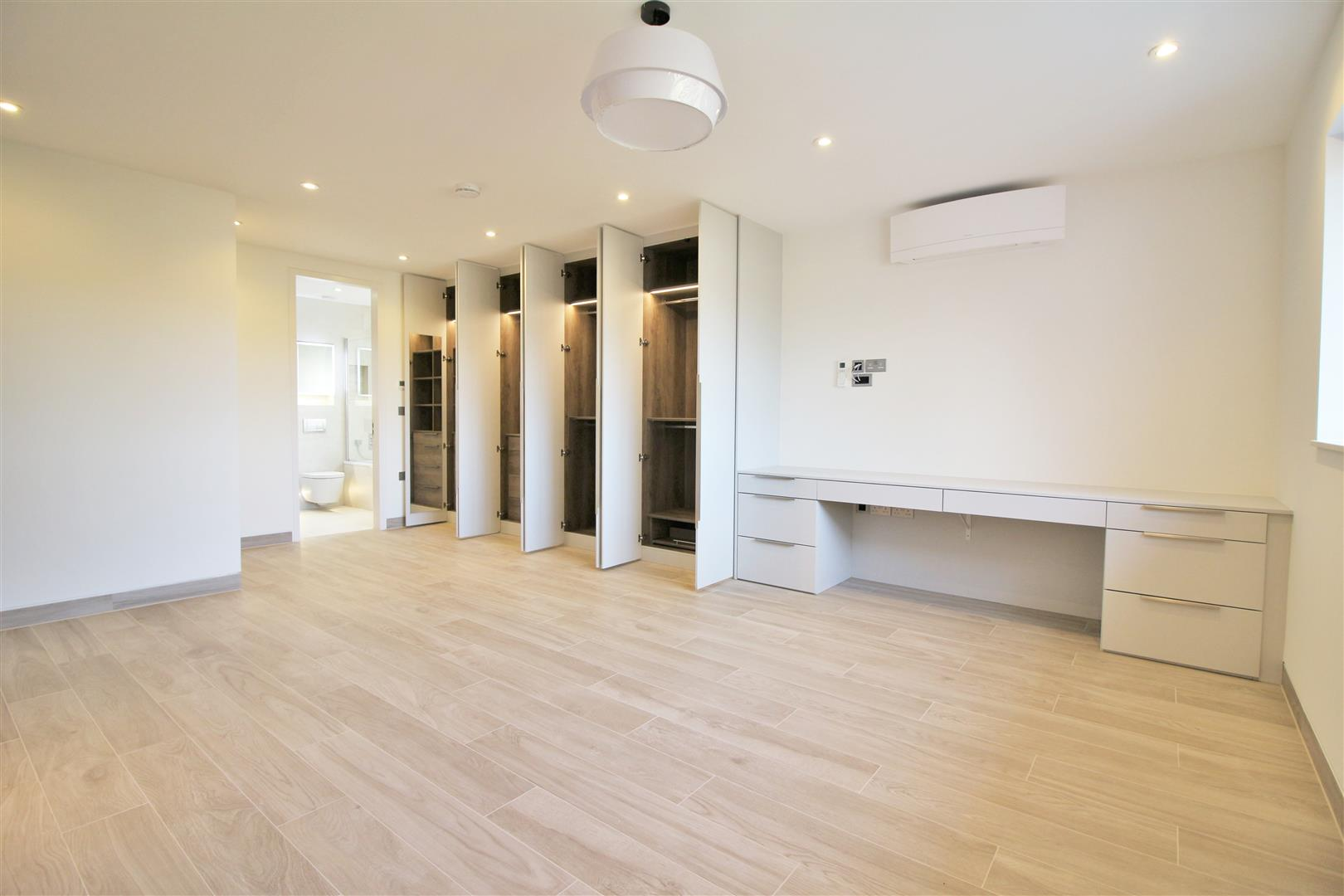 7 bed to rent - (Property Image 14)