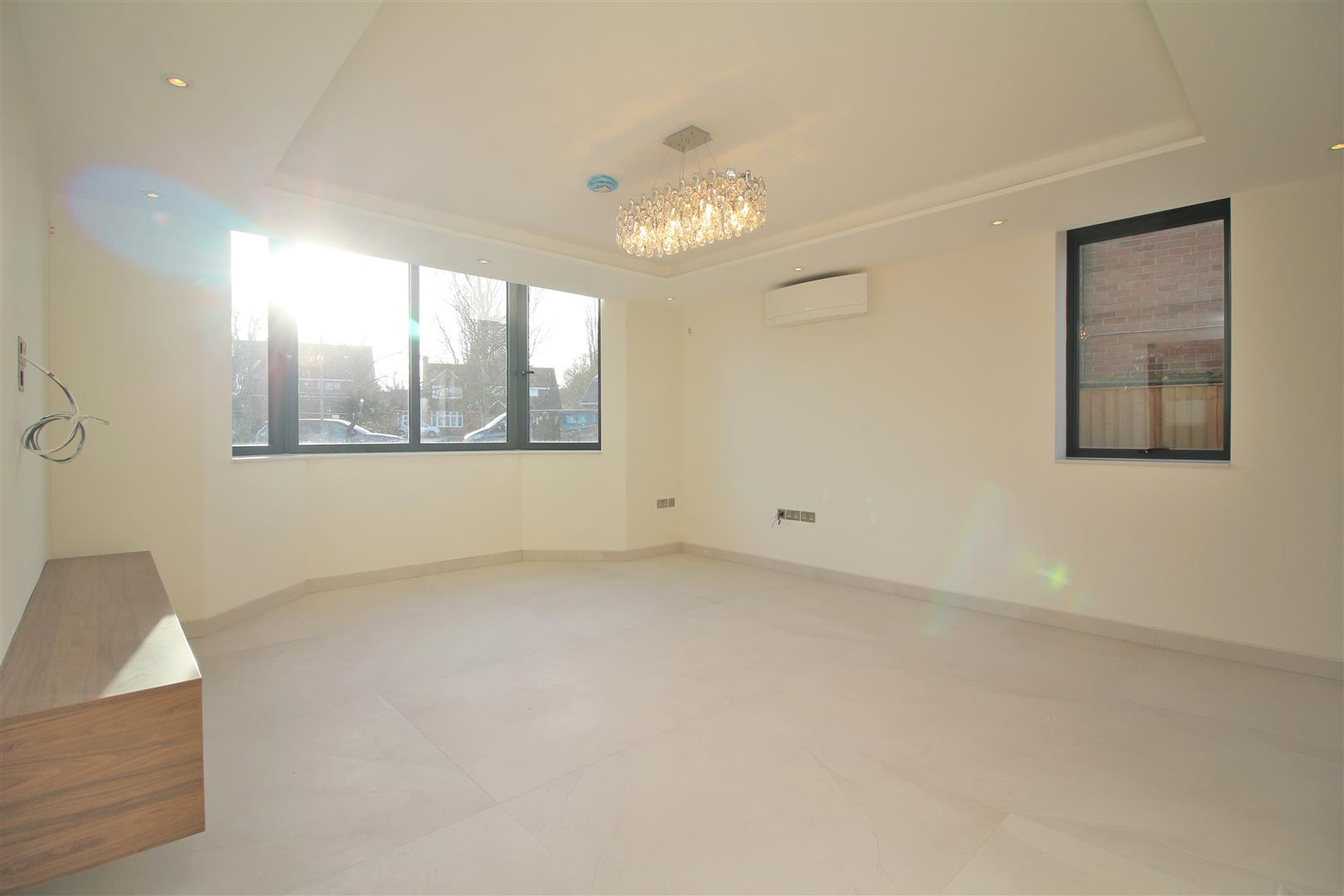 7 bed to rent - (Property Image 4)