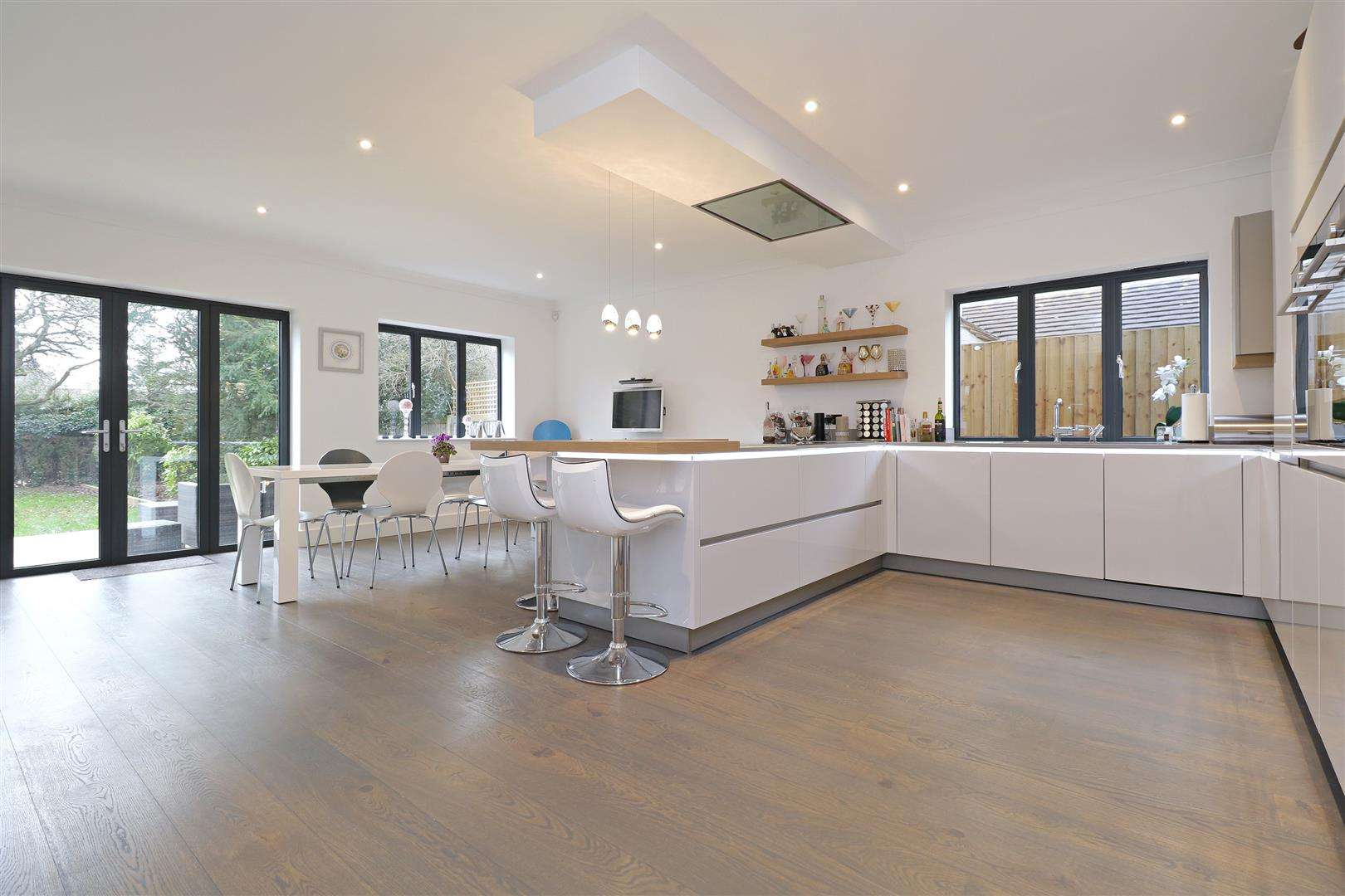 5 bed for sale in Watford Road, Radlett - (Property Image 1)