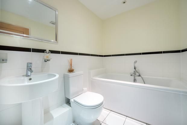 3 bed to rent in Radlett - (Property Image 9)