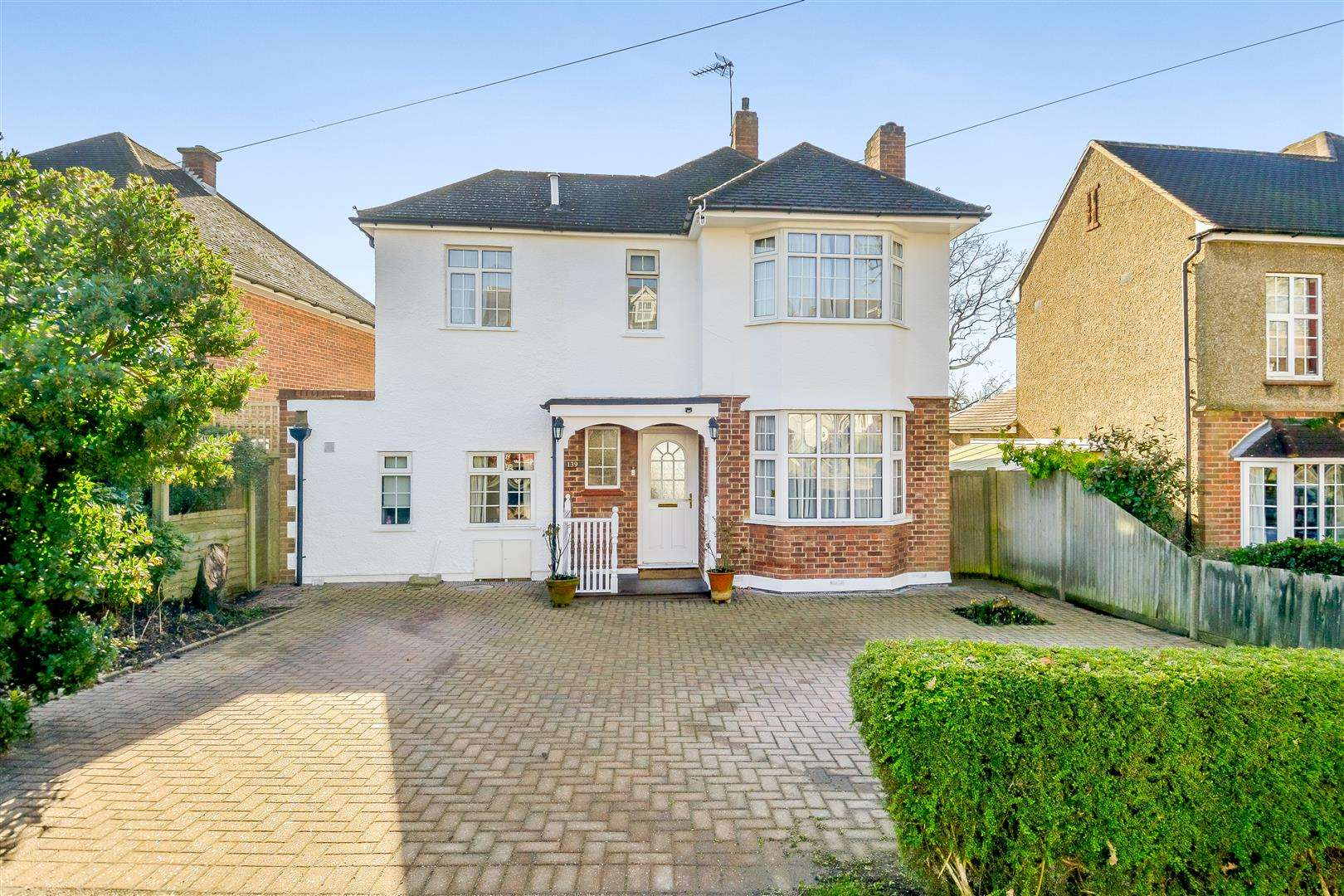4 bed for sale in Merry Hill Road, Bushey - Property Image 1